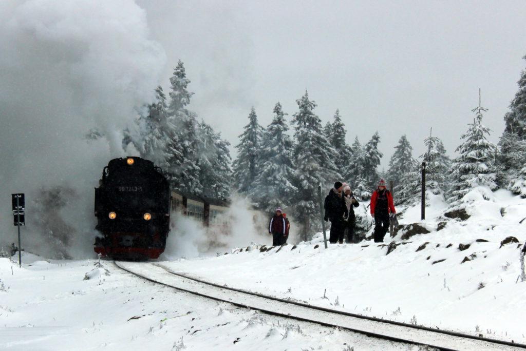 Auf dem Brocken verkehrt regelmäßig eine historische Dampflokomotive.